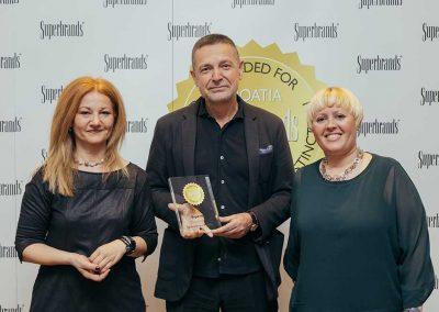 experta-dobitnik-superbrands-2016